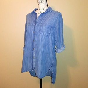 Anthropologie Tops - Anthropologie chambray button down top size medium